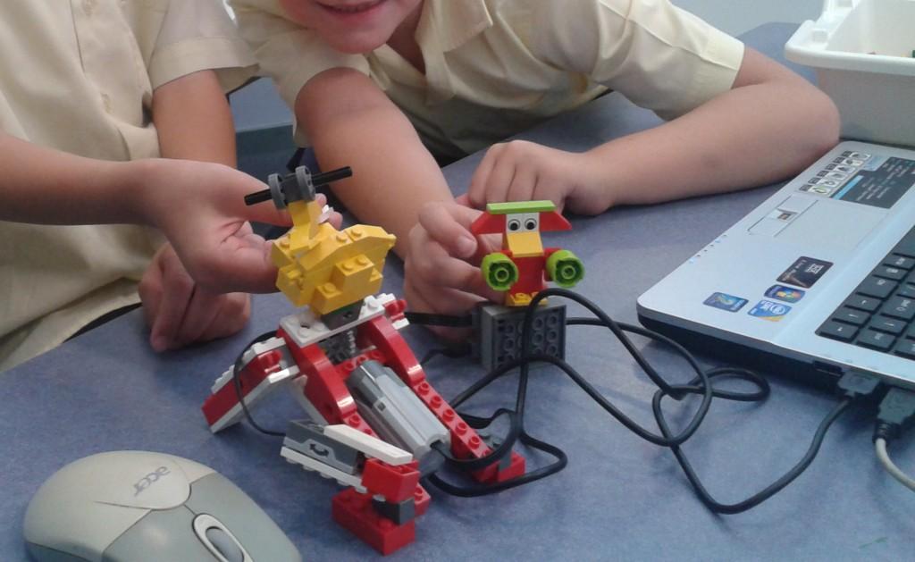Construis et donne vie à un robot